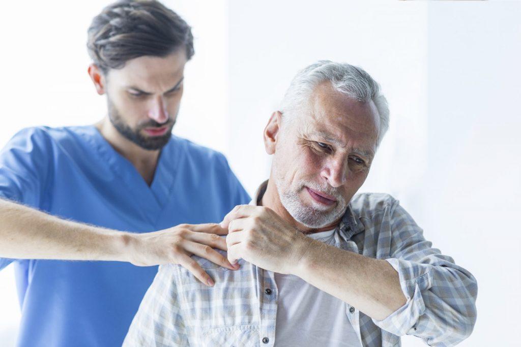 ból barku jakie badania1 1 1024x683 - Jak uniknąć operacji kręgosłupa?