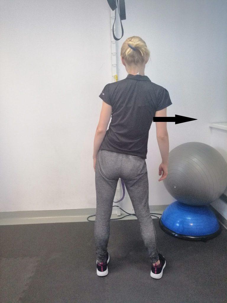 nowy 768x1024 - Dlaczego wczasie ostrego bólu pleców pojawia się shift (skrzywienie) kręgosłupa?