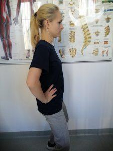 ból pleców podczas chodzenia 6 225x300 - Ból pleców podczas chodzenia- jak odciążyć kręgosłup?
