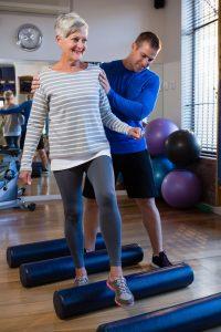 rehabilitacja pozlamaniu kosci udowej3 200x300 - Rehabilitacja pozłamaniu zmęczeniowym kości udowej- jak powinna wyglądać?